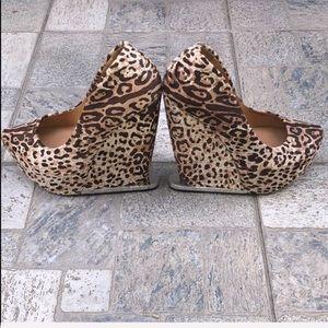 L.A.M.B. Shoes - L.A.M.B Wedge Platform w/ Sexy Animal Print 🐆